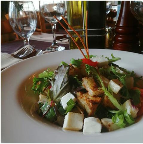 Vincent's Italian Restaurant Rooms food1